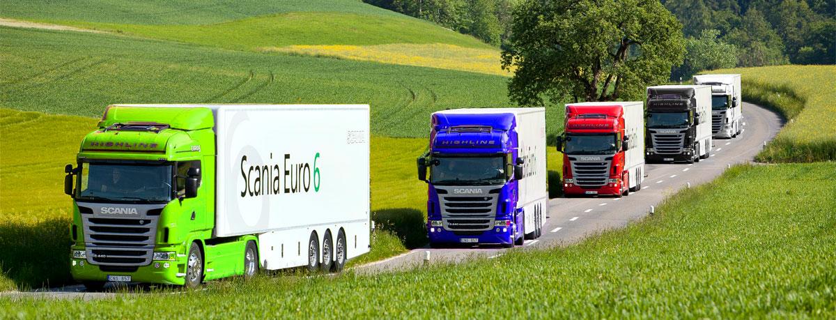 Flyttfirmor Göteborg, bild på lastbilar som kör.